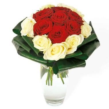 Fleurs en Deuil | Image du bouquet de roses rouges & roses blanches Complicité